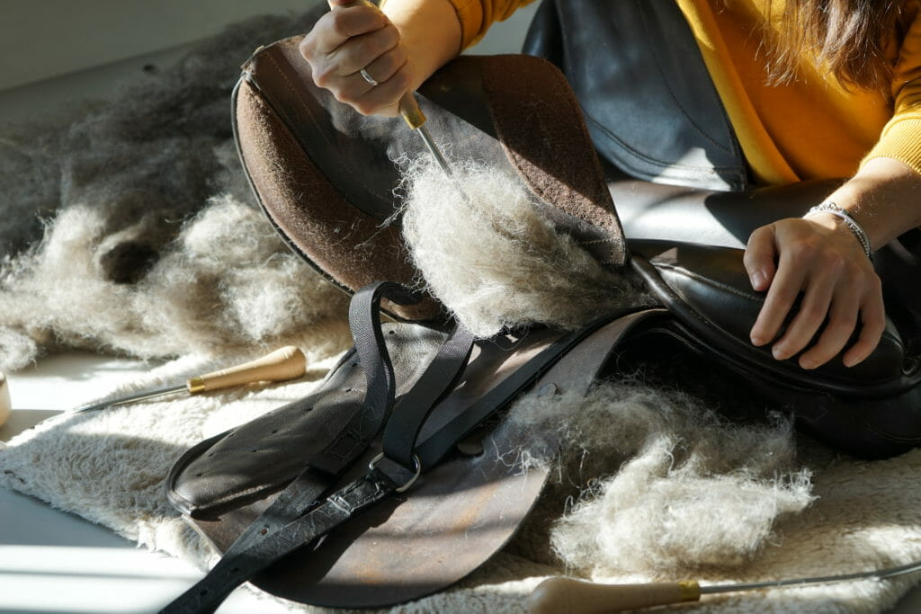 Ilaria saddle service - Riparazioni selle - reimbottitura cuscini