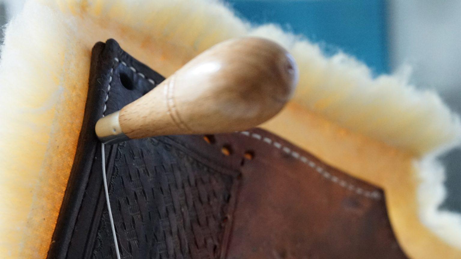 riparazione selle rifacimento lana sella western